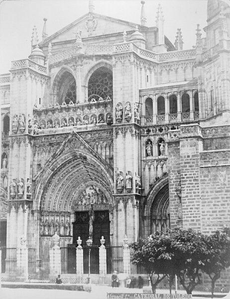 Catedral-Puerta del Perdón en la fachada principal_CA-0163-PA