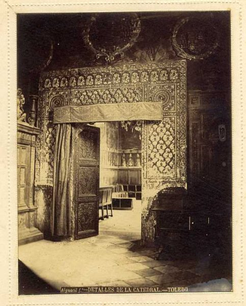 Catedral-Sala Capitular - Puerta interior-Colección Luis Alba_LA-135060-PA