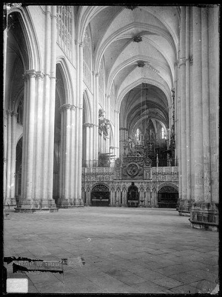 Catedral-Vista de la nave central frente al trascoro_CA-0168-VI