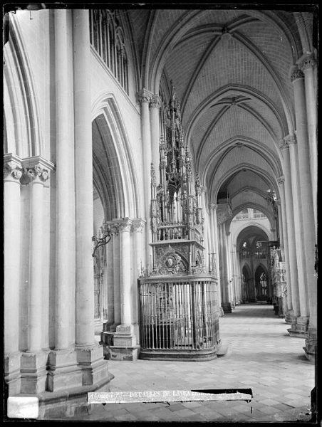 Catedral-Vista de la nave lateral junto a la capilla de la Descensión_CA-0171-VI