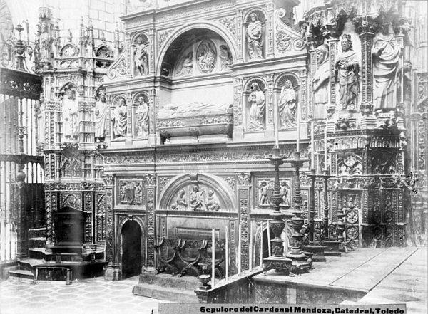 Catedral-Vista del Sepulcro del Cardenal Mendoza en la Capilla Mayor_CA-0303-PA