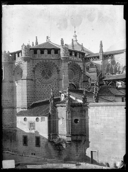 Catedral-Vista exterior de la capilla de Santiago_CA-0167-VI