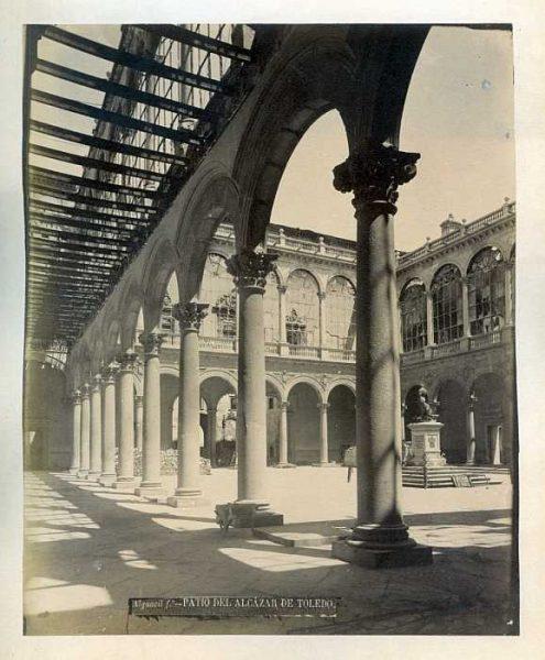 LA-0433018-PA_Alcázar-Patio-Colección Luis Alba