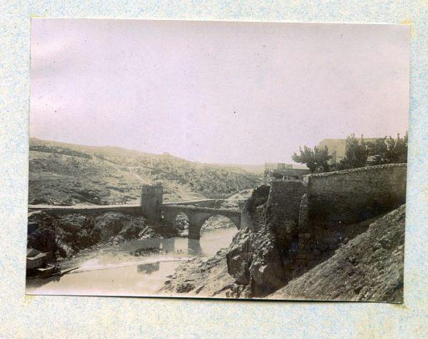 LA-1136009-PA_Vista del Puente de San Martín-Colección Luis Alba