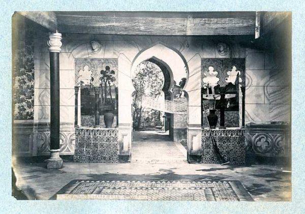 LA-1236002-PA_Casa de Cejuela-Detalle del patio en la Calle del Vicario-Colección Luis Alba