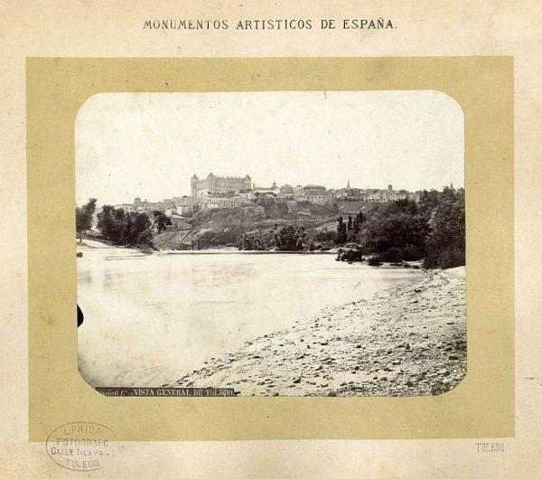 LA-132078-PA_Vista general de Toledo desde las huertas de Safont-Colección Luis Alba
