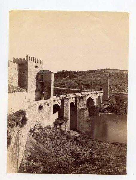 LA-134106-PA_Vista del Puente de San Martín-Colección Luis Alba