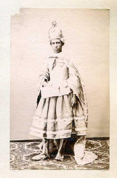 LA-1437071-PA_Niño con su vestimenta de la festividad del Corpus-Colección Luis Alba