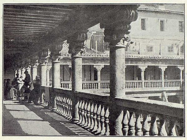 01-TRA-1923-191 - Claustro de San Pedro Mártir