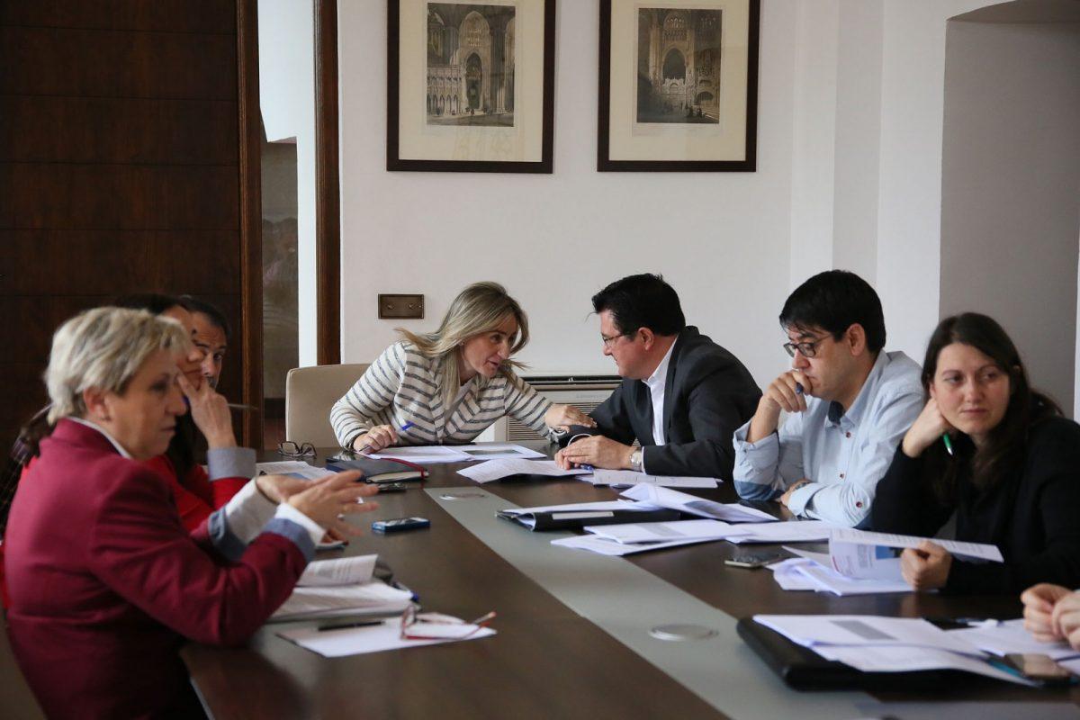 http://www.toledo.es/wp-content/uploads/2017/03/01_reunion_emv-1200x800.jpg. La EMSV aprueba la enajenación de una parcela en el Polígono residencial para promover vivienda pública