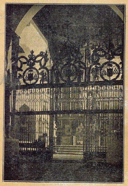 02-TRA-1921-166 - Interior de la Iglesia del Convento de San Juan de la Penitencia