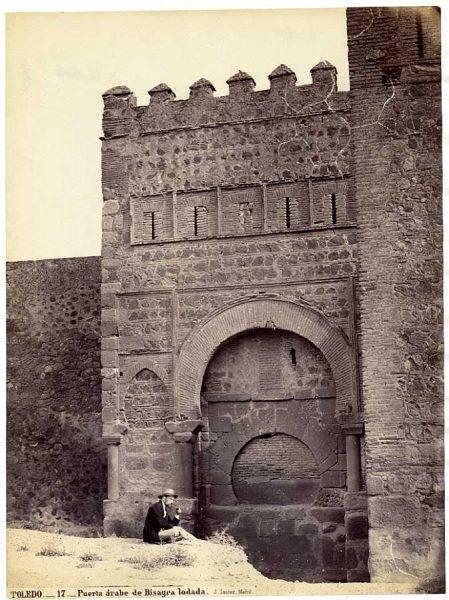 03-LAURENT - 0017 - Puerta árabe de Bisagra lodada_3