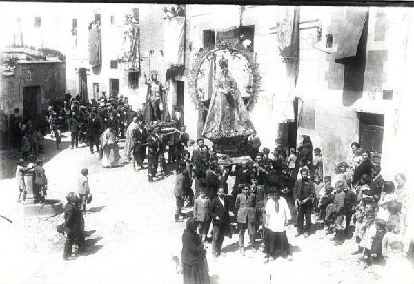 03_Toledo-Procesión de Nuestra Señora de los Remedios por la Plaza del Seco
