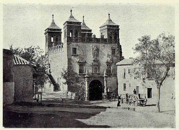 06-TRA-1927-248 - Puerta y plazuela del Cambrón