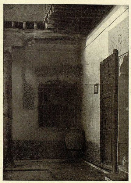 08-TRA-1926-230 - Casa del Greco, patio