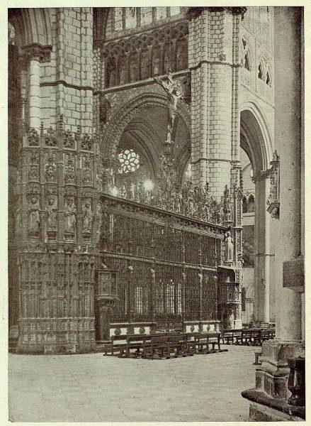 08-TRA-1929-270 - Catedral, exterior Capilla Mayor