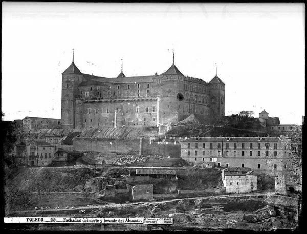 09-LAURENT - 0028 - Fachadas del norte y levante del Alcázar_1