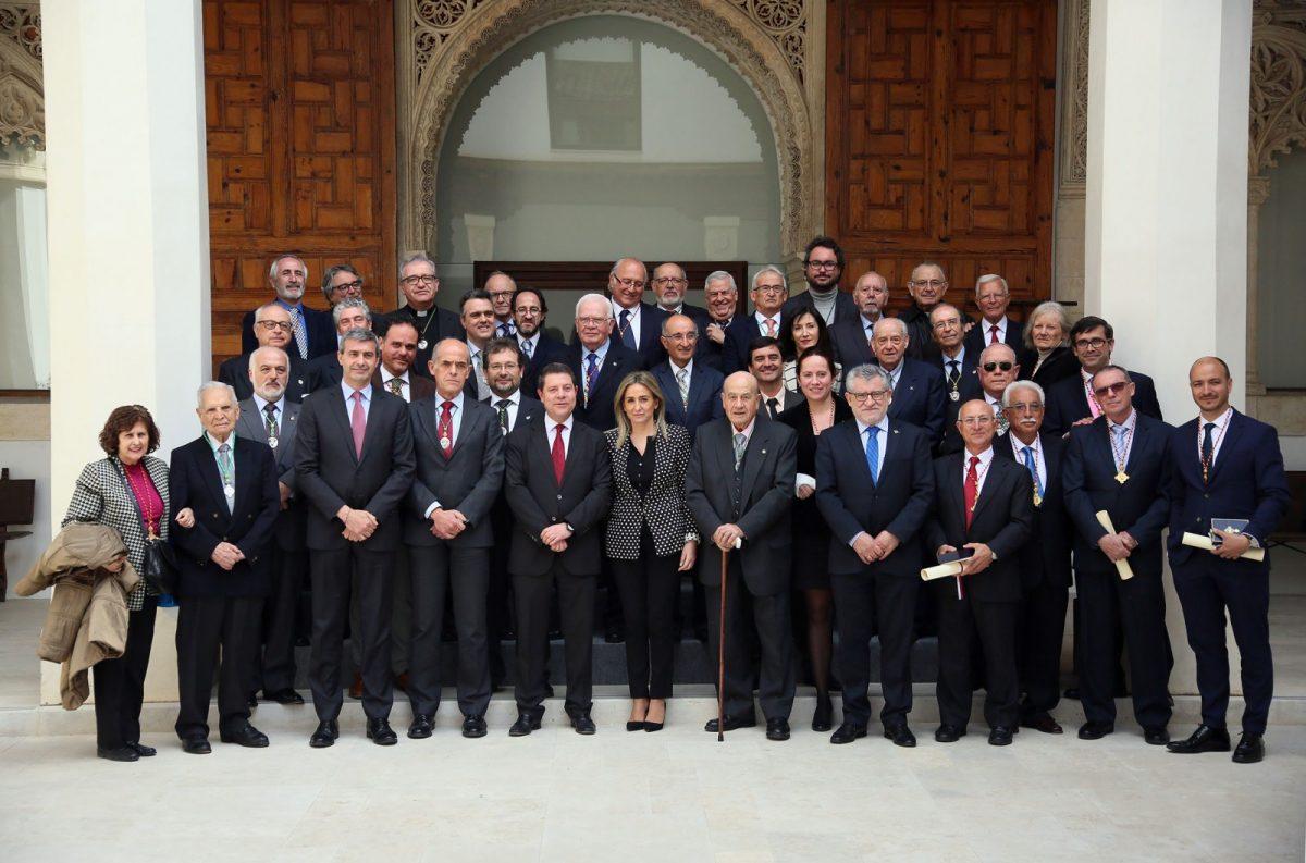 """http://www.toledo.es/wp-content/uploads/2017/03/09_centenario_rabatch-1200x793.jpg. La alcaldesa anima a la Real Academia a seguir trabajando para """"conservar el espíritu toledano y encauzar su porvenir"""""""