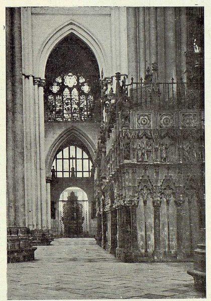 14-TRA-1923-200 - Catedral, vista del Trascoro