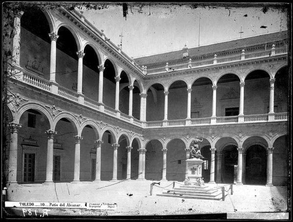 16-LAURENT - 0010 - Vista interior del Alcázar_1