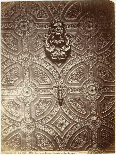 18-LAURENT - 0579 - Catedral de Toledo_Puerta de bronce llamada de los Leones