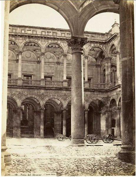 22-LAURENT - 0010 - Patio del Alcázar