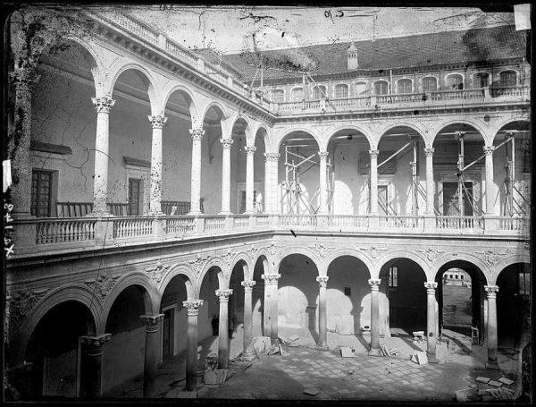 23-LAURENT - 0010 - Vista interior del Alcázar_3