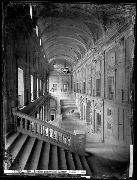23-LAURENT - 1769 - Escalera principal del Alcázar