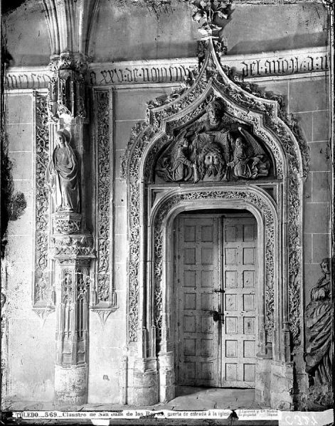 25-LAURENT - 0569 - Claustro de San Juan de los Reyes, puerta de entrada a la iglesia