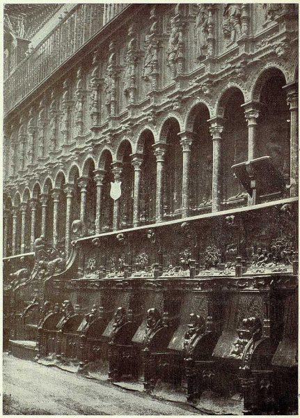 25-TRA-1927-249 - Catedral, sillería del Coro-01