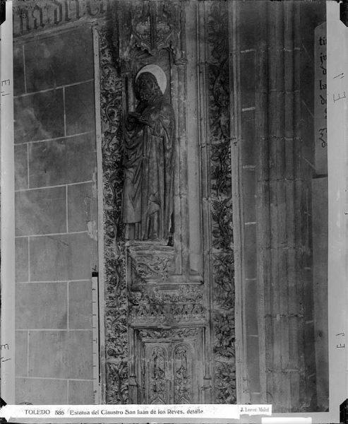 28-LAURENT - 0586 - Estatua del Claustro de San Juan de los Reyes, detalle