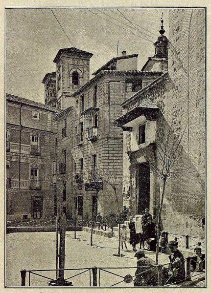 28-TRA-1921-170 - Plaza de los Postes