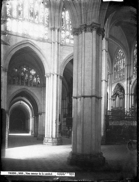 34-LAURENT - 1010 - Vista interior de la Catedral