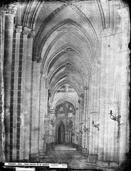 35-LAURENT - 1011 - Vista interior de la Catedral