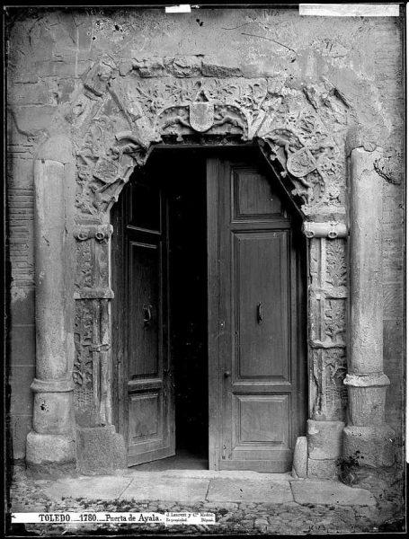 35-LAURENT - 1780 - Puerta de Ayala [Portada del palacio del Peromoro, hoy en la Audiencia Provincial]