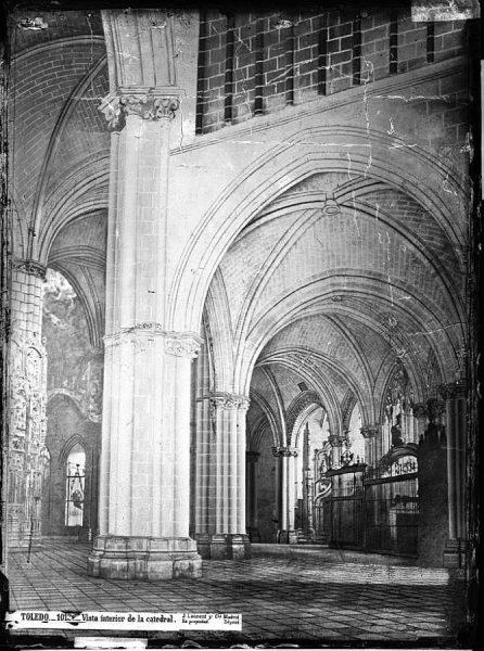 37-LAURENT - 1013 - Vista interior de la Catedral