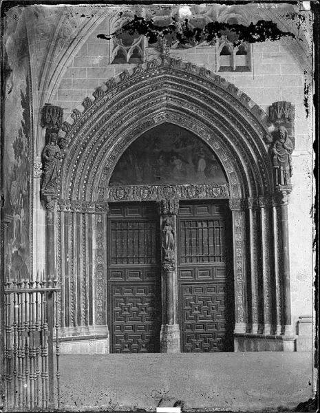 42-LAURENT - 0934 - Catedral de Toledo - Puerta de Santa Catalina_Paso del claustro_1