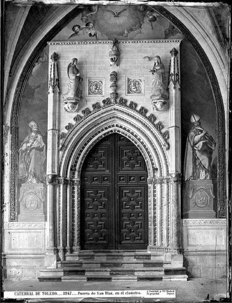 45-LAURENT - 2247 - Catedral de Toledo_Puerta de San Blas, en el claustro_1