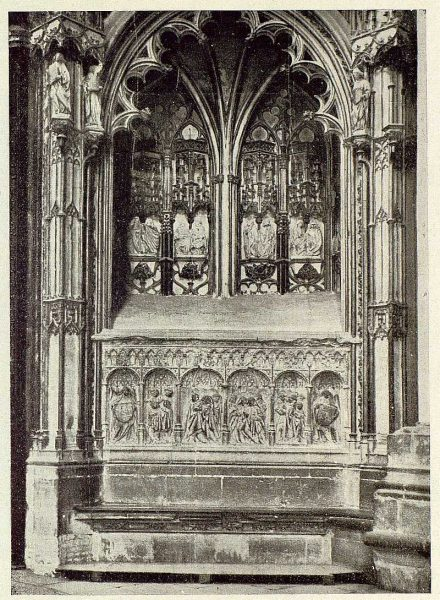 58-TRA-1929-266 - Catedral, sepulcro del arzobispo Bartolomé de Carranza en el interior de la Puerta de los Leones