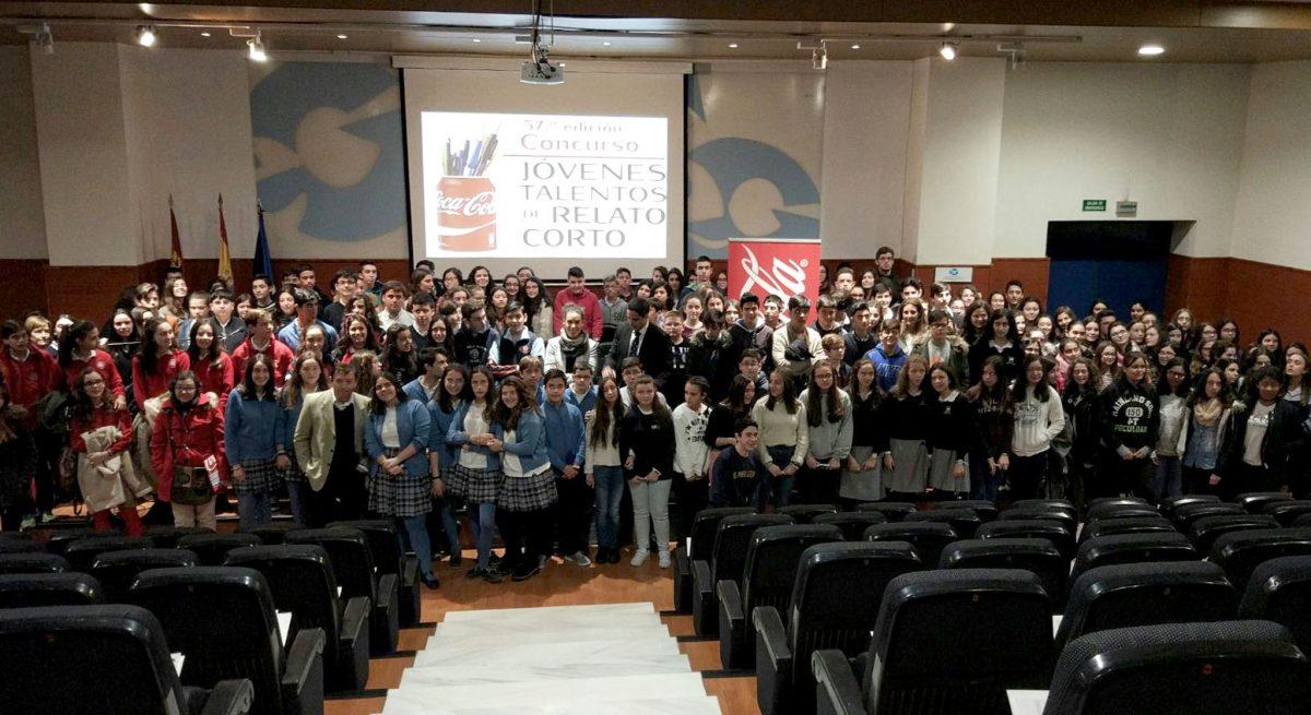 http://www.toledo.es/wp-content/uploads/2017/03/coca_cola01-1200x655.jpeg. El Gobierno local respalda el concurso de relato corto organizado por Coca Cola para promover la escritura entre los jóvenes