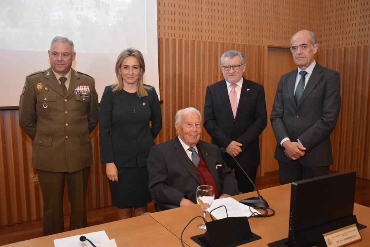 La alcaldesa destaca la importante contribución de José Miranda a la cultura de Toledo y su compromiso con la herencia mozárabe