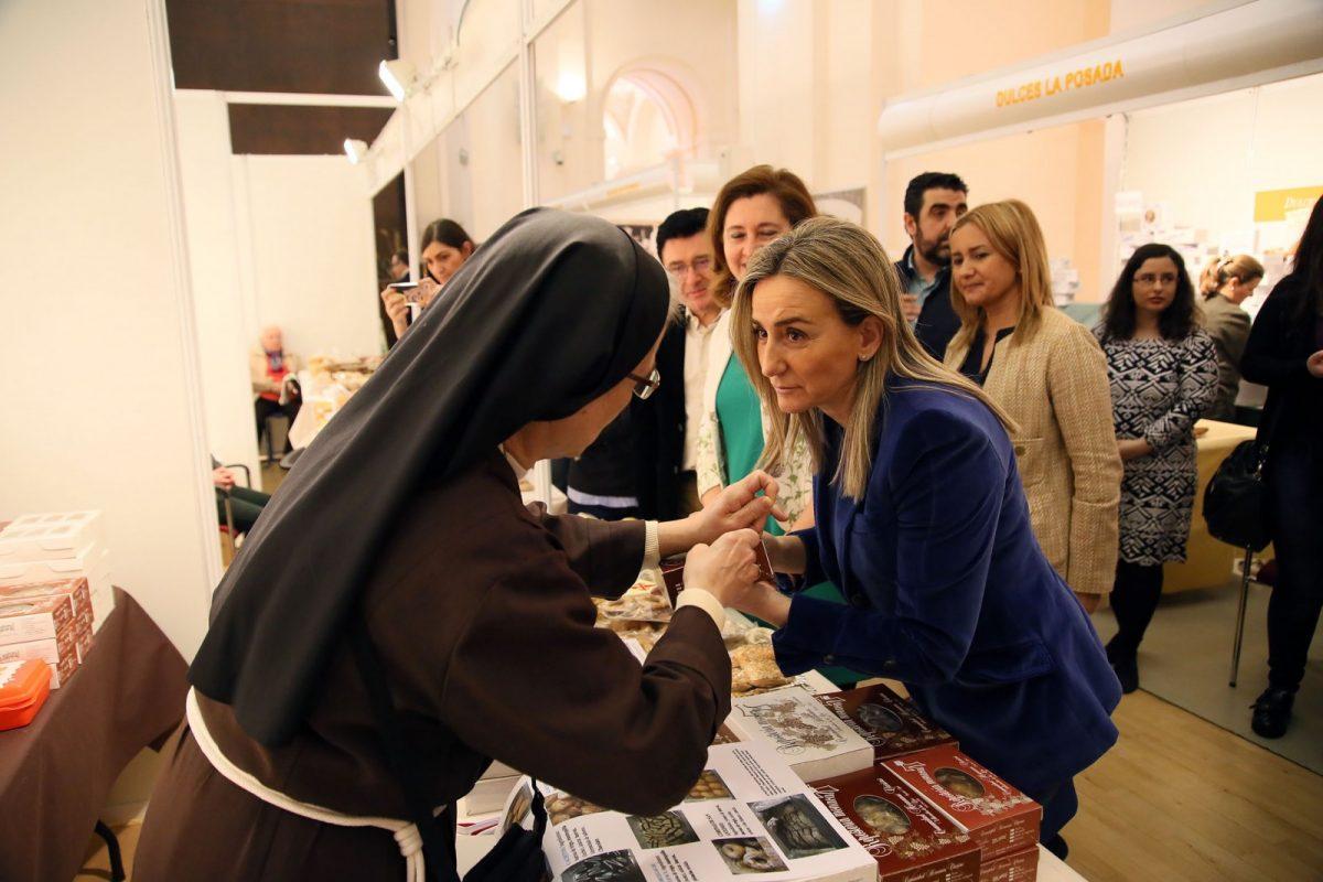 http://www.toledo.es/wp-content/uploads/2017/03/feria-dulce-1-1200x800.jpg. La alcaldesa inaugura la II Feria del Dulce y la Cuaresma y reivindica la presencia de la gastronomía en el 30 Aniversario