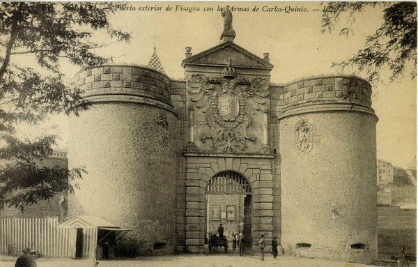 LEVY & SES FILS - 024 - Puerta exterior de Visagra [sic, Bisagra] con las armas de Carlos Quinto_ALBA-POSTAL- 2456