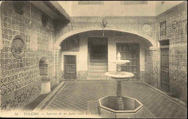 LEVY & SES FILS - 076 - Interior de un patio, calle del Instituto_P-2715