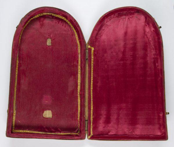 Luis Alba - Medalla de la Virgen del Sagrario - 002 estuche abierto