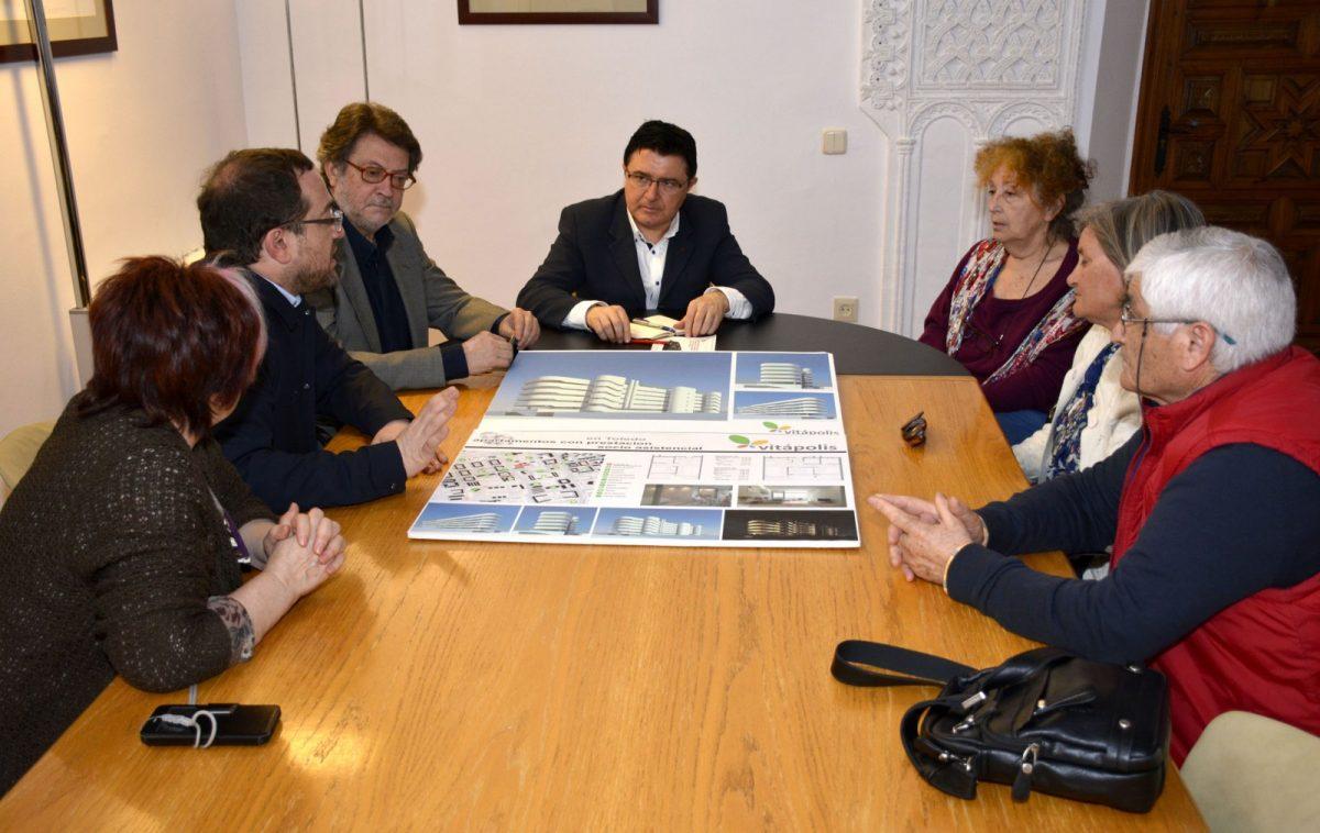 El Ayuntamiento comparte con Vitápolis los objetivos de su complejo residencial para personas mayores