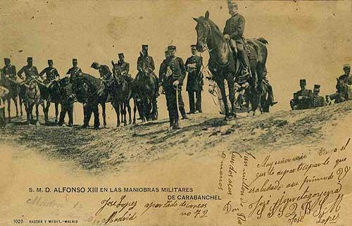 S.M. D. Alfonso XIII en las maniobras militares de Carabanchel