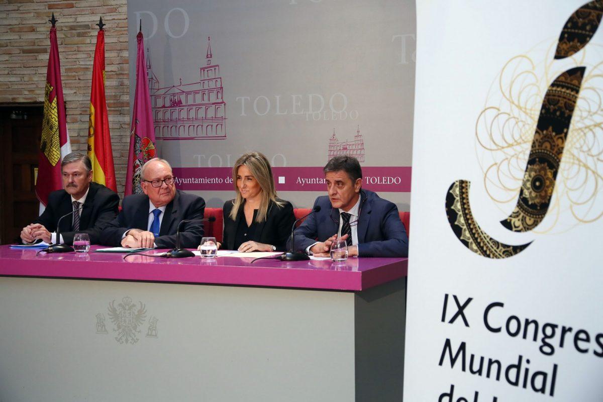 """http://www.toledo.es/wp-content/uploads/2017/04/04_presentacion_congreso_jamon-1200x800.jpg. La alcaldesa celebra la organización del Congreso Mundial del Jamón en Toledo, """"una ciudad referente a nivel congresual"""""""