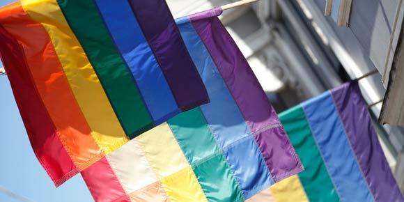 http://www.toledo.es/wp-content/uploads/2017/04/05-17-2013homophobia.jpg. Expertos llaman a poner fin a abusos y detenciones de gays en Chechenia