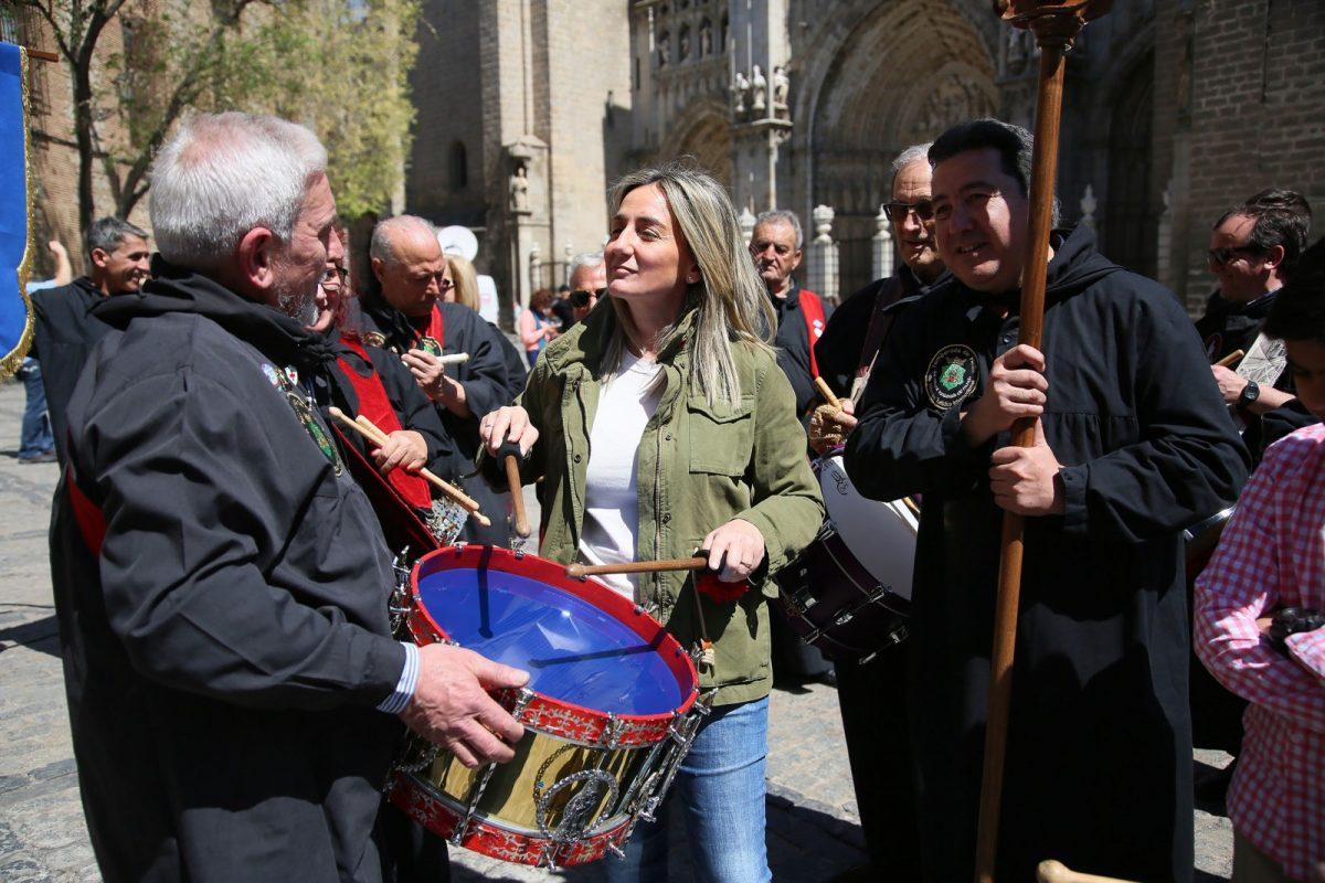 http://www.toledo.es/wp-content/uploads/2017/04/13_tamborrada-1200x800.jpg. La Tamborada de Hellín se suma a la Semana Santa de Toledo en el 30 Aniversario como Ciudad Patrimonio de la Humanidad